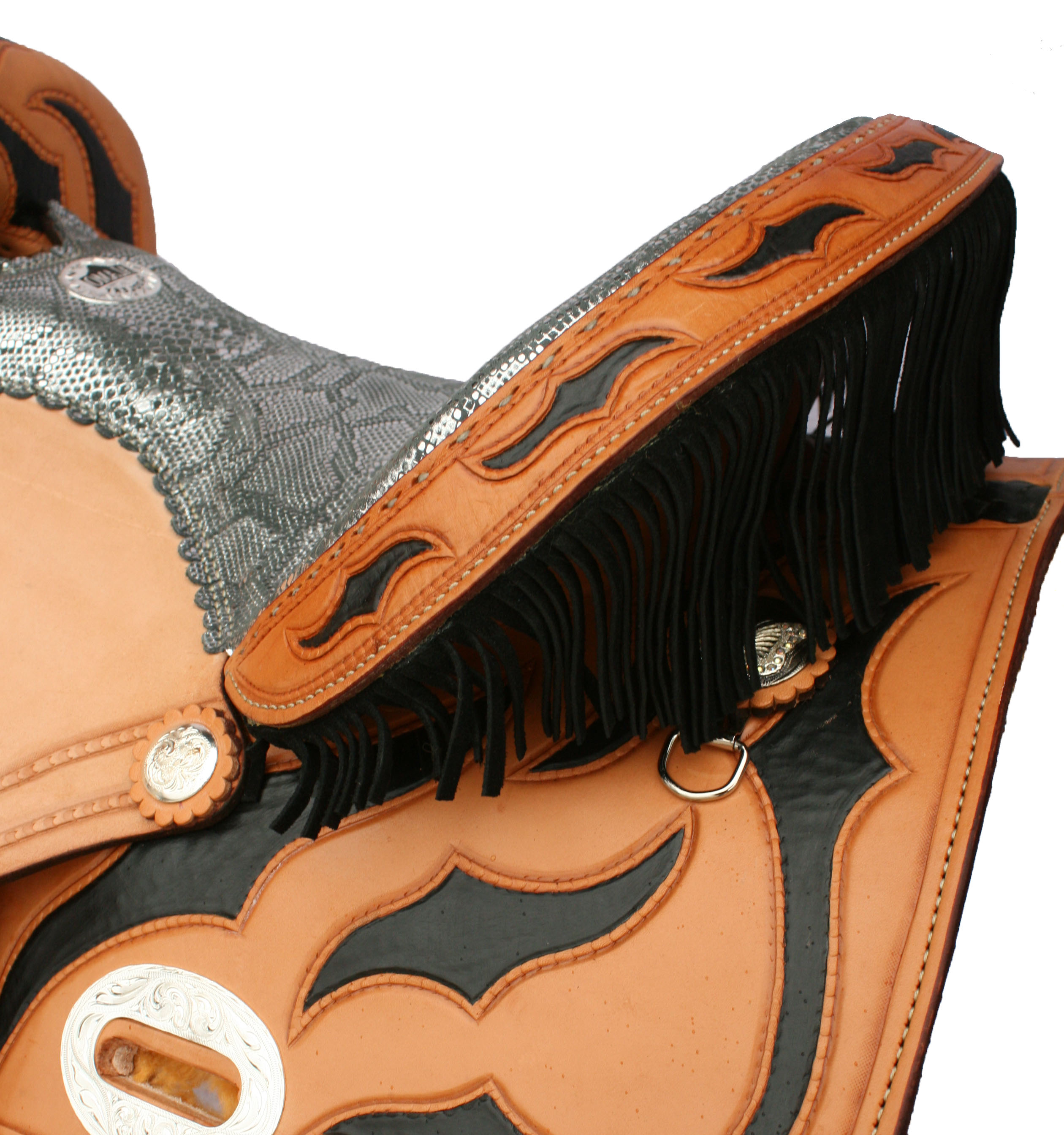 FRINGE BARREL SADDLE